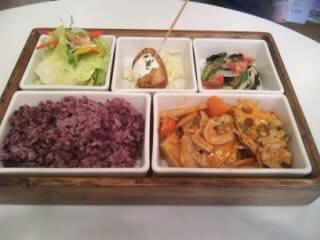 LOHASランチ根菜とハッシュドポーク