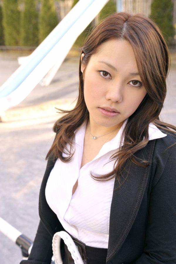 CDC_201003_Sena_Hamasaki.jpg