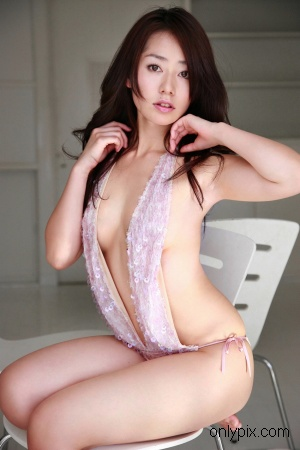 TWO-758-Momoko-Tani.jpg