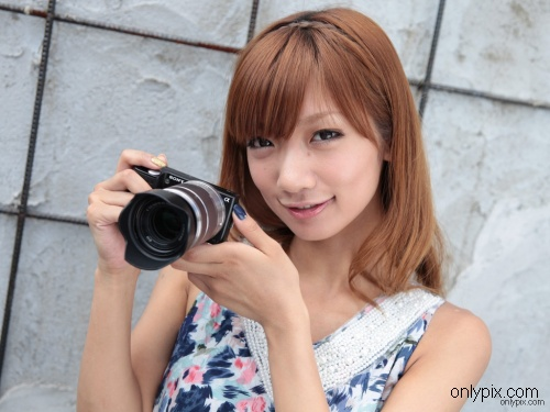 Watch-2010-No-09-Photogenic-Weekend-Junko-Maya.jpg