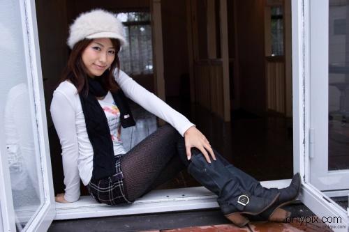 Watch-2010-No-10-Photogenic-Weekend-Misato-Kashiwagi.jpg
