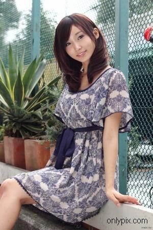 Watch-2010-No-11-Photogenic-Weekend-Risa-Yoshiki.jpg