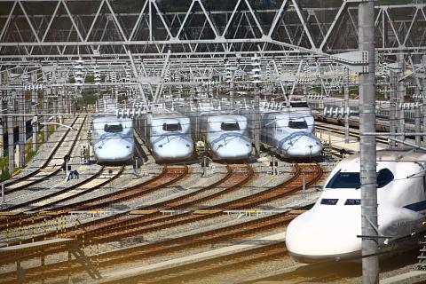 新幹線基地2