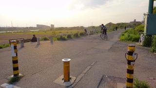 多摩川、河川敷公園