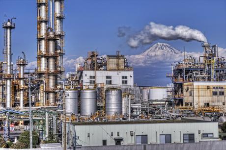 富士山と工場
