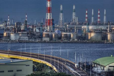 堺泉北臨海工業地帯を一望