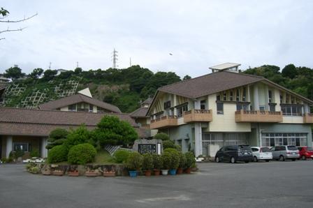 岩屋中学校校舎