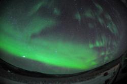 ふたご座流星群:オーロラと同時撮影
