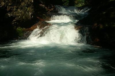 伏伸の滝37