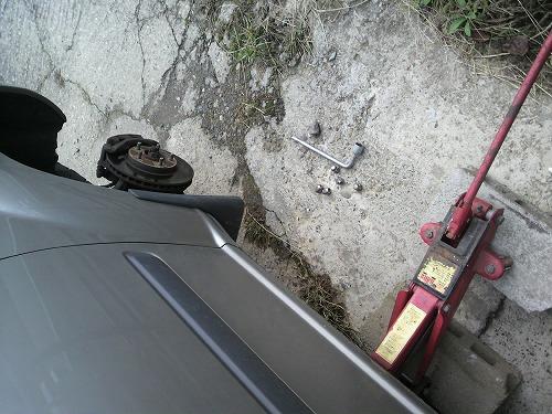 タイヤ交換705
