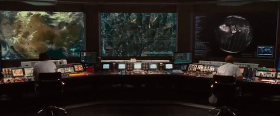 管制室でコントロール中