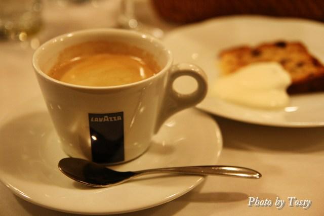 コーヒーと焼き菓子