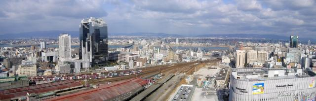 大阪駅からのスカイビル周辺