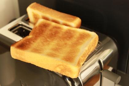 デロンギ トースター 焼色