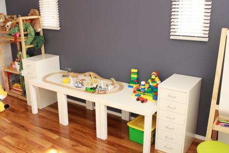 おもちゃ部屋 12.3.29