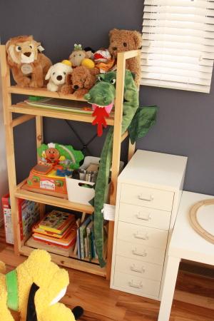 おもちゃ部屋 12.3.29.。