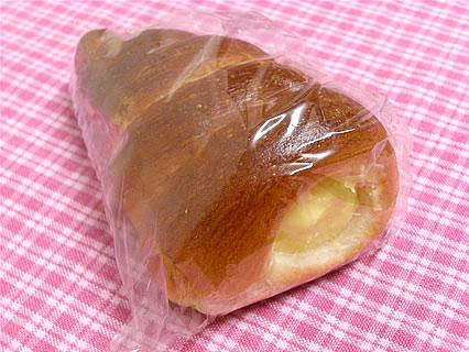 オーブンフレッシュ白銀館 カスタードコロネ(120円)