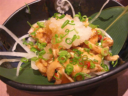 釜飯と串焼 とりでん 弘前土手町店 鶏皮ネギポン酢(441円)