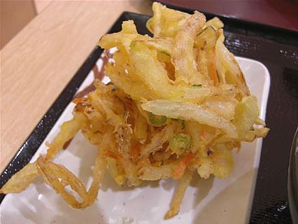 イオンモール名取エアリ 釜揚げ讃岐うどん 丸亀製麺 野菜かきあげ(130円)