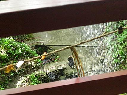 乳穂ケ滝 不動尊から見た風景
