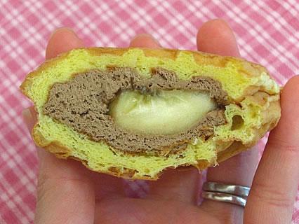 リスボン菓子店 アメリカンワッフル(生チョコ&バナナ) 断面
