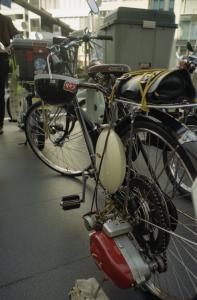 14原動機付き自転車