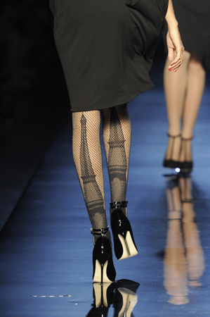 Jean-Paul-Gaultier-Haute-Couture-Fall-Winter-2010-11-21.jpg