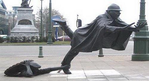 statue001.jpg