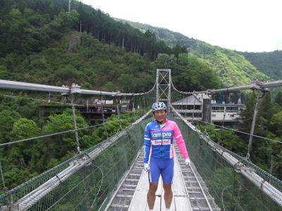 吊り橋で、たーやん_R