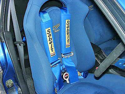 4点式シートベルト