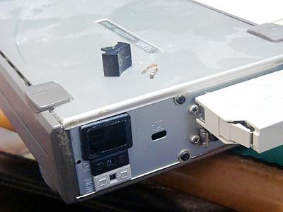 スイッチの壊れた外付ハードディスク
