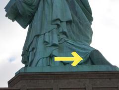 自由の女神 足の裏2