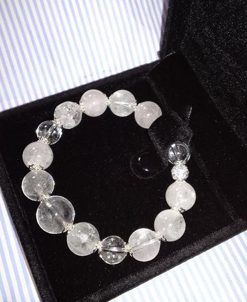 ヒマラヤ水晶のブレスレット