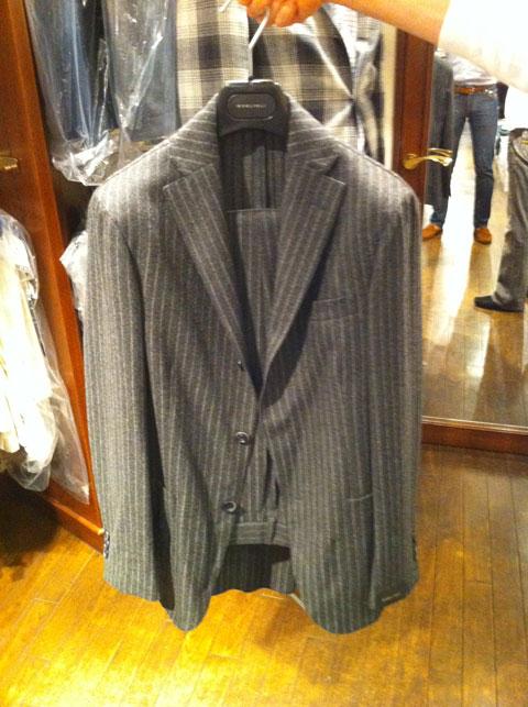 フランネルワイトスーツ1