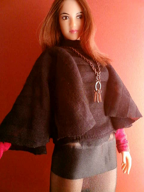 border_cape_sleeve_b.jpg