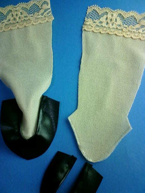 stockings_pumps_making_g.jpg