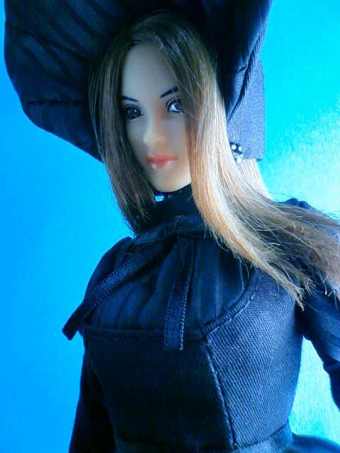 stripe_bonnet_a.jpg