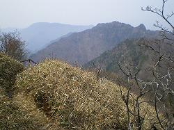 20100504 20 稲村ヶ岳遠望