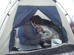 テントの中2