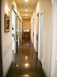 診療室の廊下