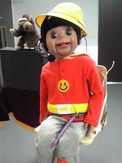 腹話術人形