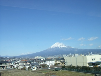 5日新幹線から富士山