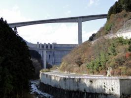 滝沢ダム1