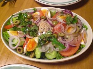 ツナ・茹で卵のサラダ