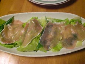生ハムとレタスのサラダ