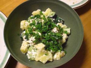 ジャガイモとカッテージチーズのサラダ