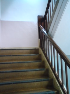 大阪農林会館-階段