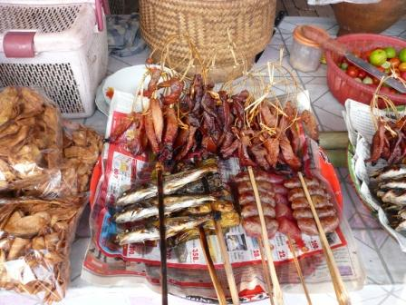 乾燥肉、ソーセージ、焼き魚等