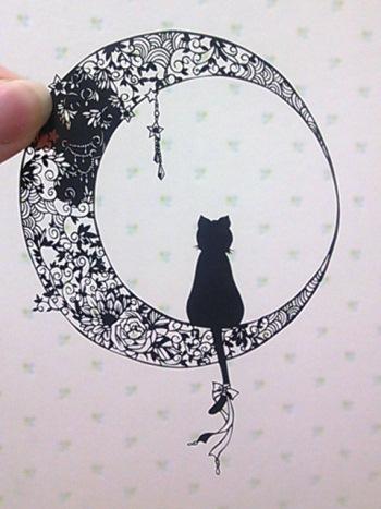 三日月と黒猫ミミー