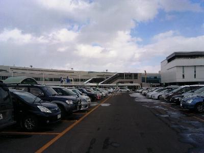 2012年2月11日の千歳空港駐車場